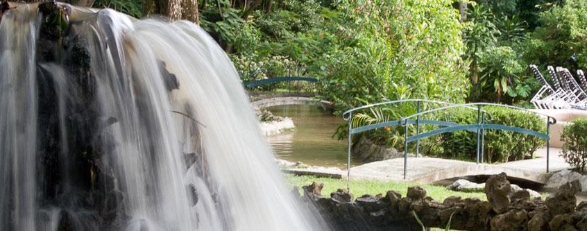 Jard n sur hotel ixtapan hacienda los amates ixtapan de for Jardin de sal